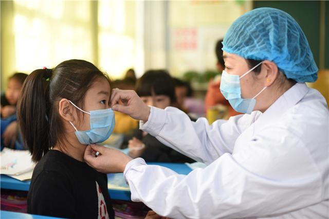 关于抗击疫情主题高考满分作文900字5篇